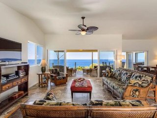 Breezy home with stunning ocean views - minutes away from the beach!