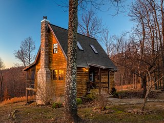 A Still Point Cabin- Cozy and Perfect