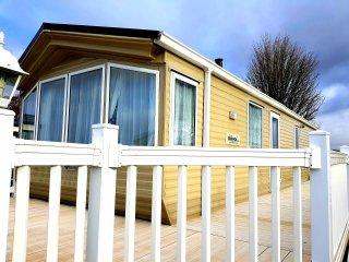 J C Lakeside Lodges, Kingfisher Court