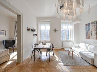 Chic Apartment at Kafka's Head