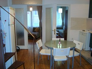 Spacious apartment in Istanbul with Internet, Washing machine, Air conditioning,