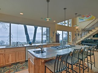 NEW! 'Casa d'Amore' 4BR Granite Bay Lake House!