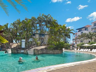 Calypso Plaza Resort Unit 217 - Central Coolangatta beachfront location