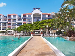 Calypso Plaza Resort Unit 310 - Central Coolangatta Beachfront location