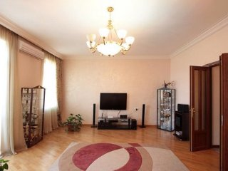 Modern apartment, heart of downtown Yerevan, Arm