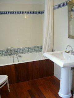 La salle de bain chambre de la chambre parents