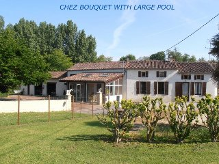 Chez Bouquet lovely farmhouse , salt water pool, and large, private garden..