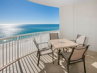 Beachfront Penthouse adjoining Gulf State Park w/Pools/Hot Tub In Royal Palms