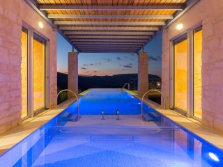 Amazing villa-an incredible architectural jewel.Stunning views truly yours!