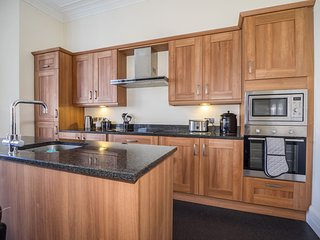 Fully equipped luxury kitchen with built in appliances