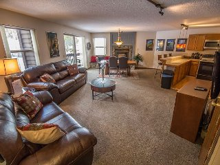 Tyra Summit A2B Ski-in/Ski-out Condo Breckenridge Colorado