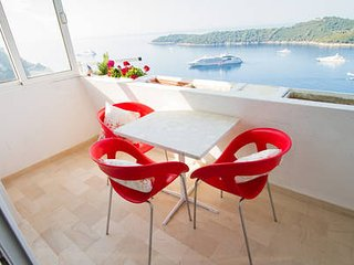 Apartment Zlatni Potok Ragusa with beautiful view of the old town Dubrovnik