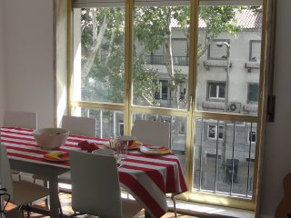 Cascais center, Two modern double Bed room apartment, equiped kitchen,complet wc