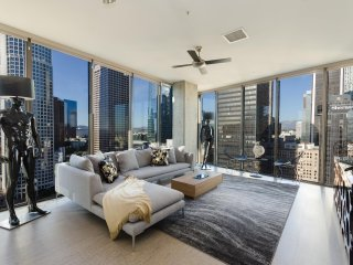 URBAN DTLA TOP LEVEL PENTHOUSE