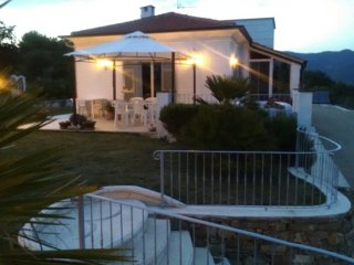 Villa privata con giardino e piscina idromassaggio ideale per coppia o famiglia