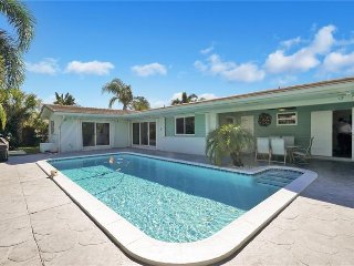 ~~~ Ft. Lauderdale Sophistication with Private Heated Pool ~~~