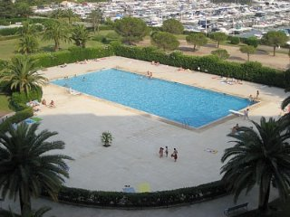 Spacious apartment 8 guests, Great View, Pool, Port & Parking