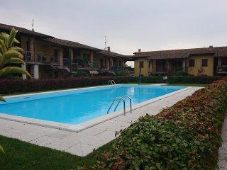 APPARTAMENTO RELAX in residence con piscina in ottima location collinare.