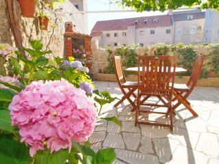 Apartment Kameo with terrace in Old Town