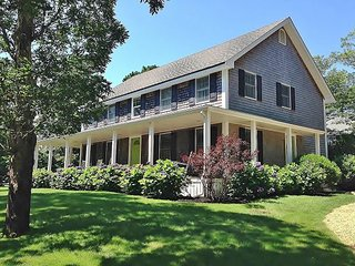Beautiful Four Bedroom Home Walking Distance to Downtown Oak Bluffs