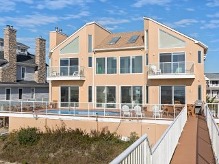 6 BR Luxury Oceanfront House Pool+Jacuzzi Sleeps 14 Call For Holiday Deals!
