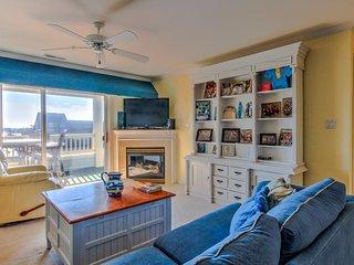Enjoy bay views from this bright & spacious seaside condo!