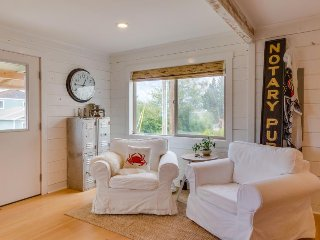 Classic beach house in a great location - 4 blocks to the beach - dogs welcome!