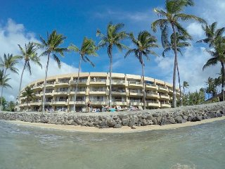 Paki Maui unit 123 -Beautiful Ocean Front-Watch Whales From Your Lanai