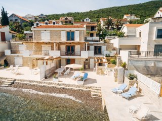 Waterfront 3 Bedroom Villa Plitka with Private Beach