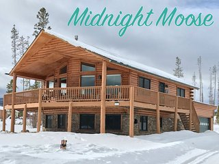Luxurious River Front Cabin - Fantastic Views/Free Activities/Resort Discounts