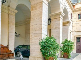 Prime 1Br/Ba Apt Next  Colosseum at Piazza Venezia