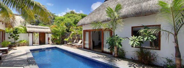 NAVANI VILLA- PRIVATE 4 bedroom villa 500m away from the beach, GrandBay