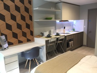 Modern Studio Apartment in City Centre 212