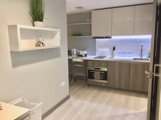 Modern Studio Apartment in City Centre 217