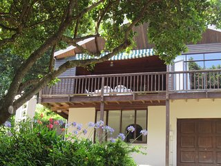 Sea Cottage 50 metres from private beach