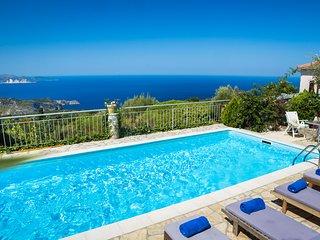Villa Anna: Original old stone villa close to Fiskardo with private pool & views
