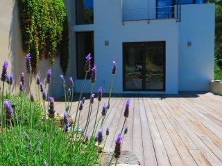 Casa moderna con vistas espectaculares