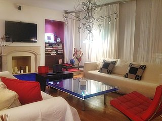 Beautiful Vacation Rental at Arc de Triomphe in Paris