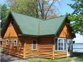 Beachfront Log Cabin - Gaylord, MI