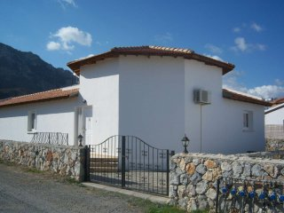 detached 3 bedroom bungalow with private pool in lapta, kyrenia