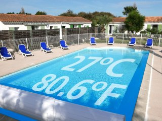 Ile de Re House with a  heated swimming pool (80.6 F)