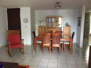 dinning room, seats 6