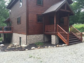 Stream Front Log Home Near 7 Springs, 4 BR