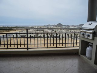 3 Br/2 Bath Condo,Ocean View 5 Min from the Marina 1531