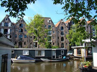 LUXURY IN JORDAAN WITH A CANAL VIEW-CLEAN, SPACIOUS &QUIET