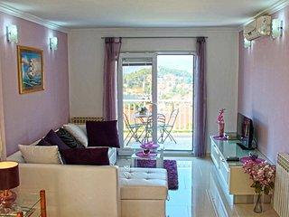 Modern & sea view Family apartment