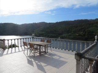 Retiro no Rio, waterfront holiday home Balsamina