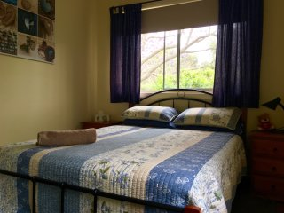 Group or Family Country House with sheep and farm animals Hunter Valley Farmstay