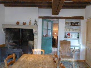 La cuisine authentique et sa grande table conviviale