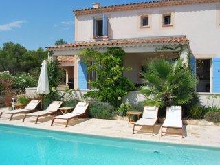 Villa le Loup voor 8 personen met privezwembad